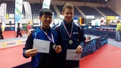 Tomáš Polanský po boku reprezentanta čínské Taipeie vybojoval stříbro z deblu. V soutěži družstev pak ani jednou nezaváhal a dovedl český tým za bronzem.